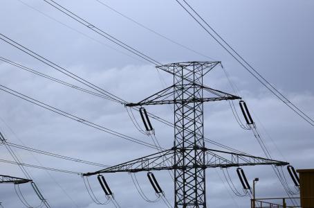 Al 84% el servicio de energía eléctrica en Península de Yucatán