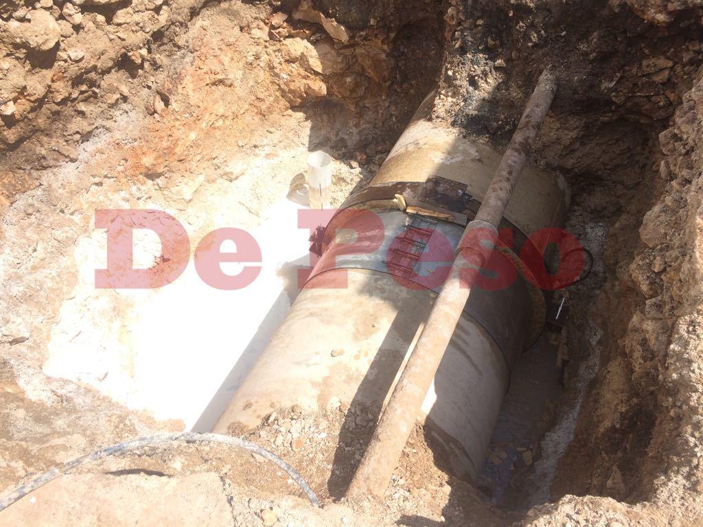 reparan tubería tras enorme fuga de agua en Mérida