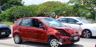 choque de autos en Anillo Periferico de Mérida