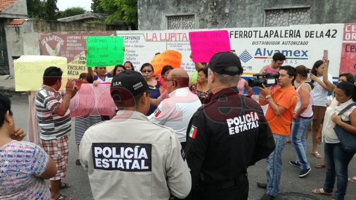 protesta en colonia Santa Rosa para construccion de paso peatonal