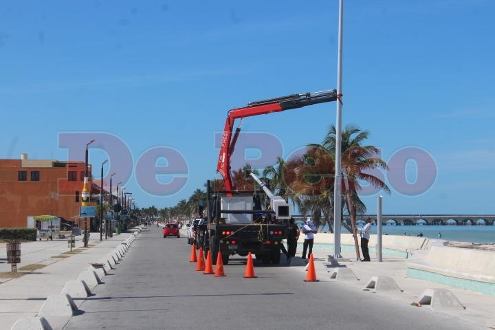 instalan cámaras de seguridad en Malecon de Progreso