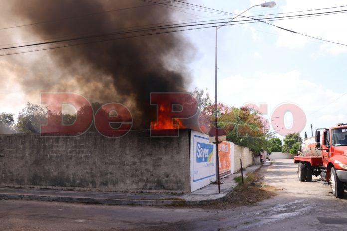 incendio de dos terrenos baldios en Merida