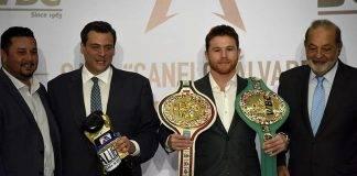 """El boxeador jaliciense Saúl """"Canelo"""" Álvarez con el cinturón de título mundial de peso Medio."""