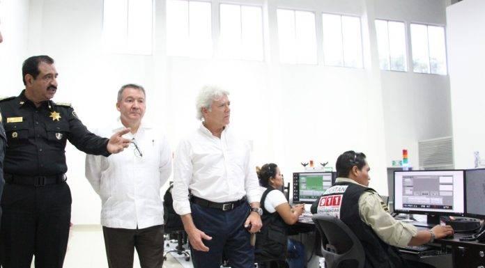 El cónsul general de Francia en México, Gerard Marechal, en su visita a Yucatán.
