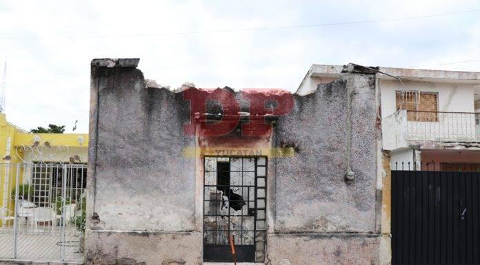 Todo el techo de un predio en ruinas se fue para abajo