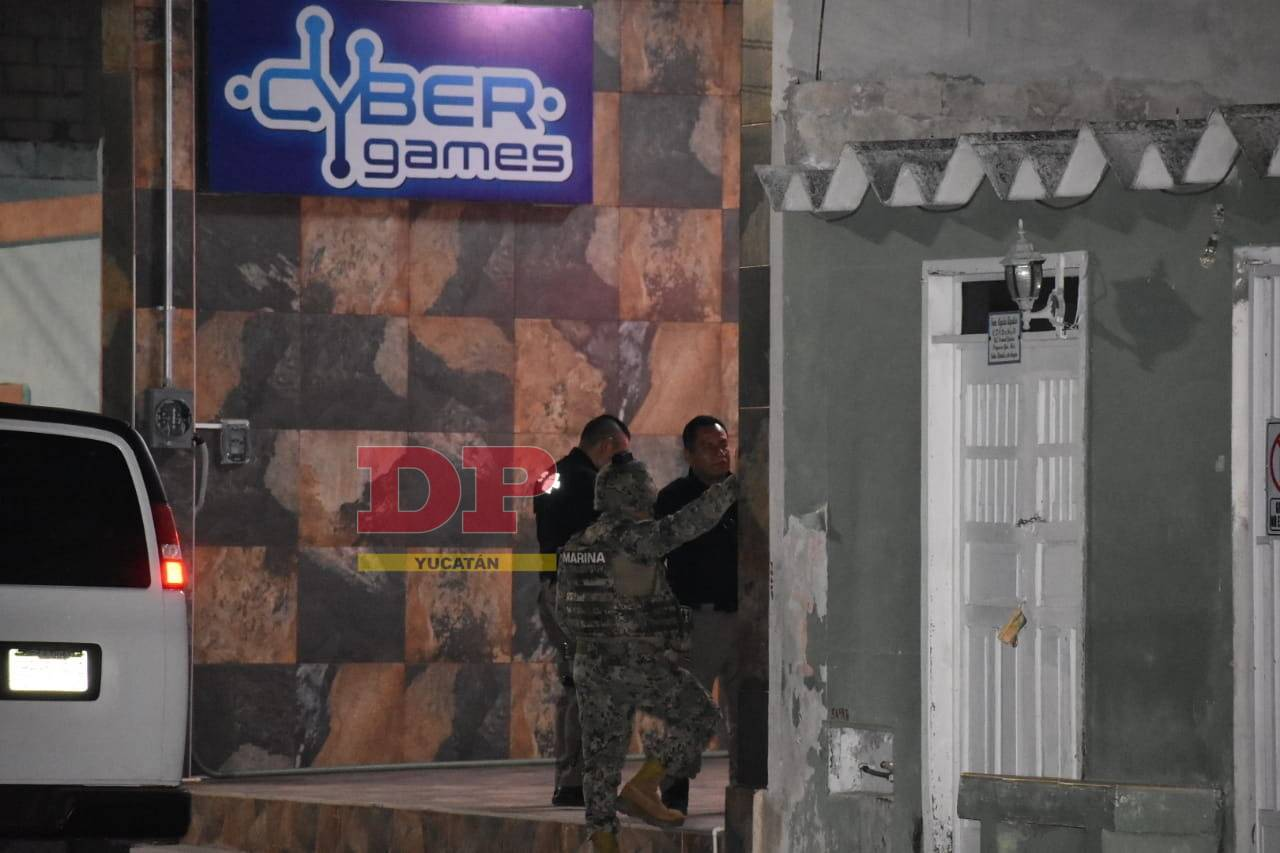 Algunos empleados fueron arrestados durante el operativo.