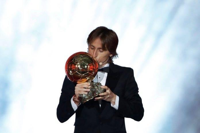 Modric se llevó el premio a mejor futbolista del mundo, según la revista francesa France Football