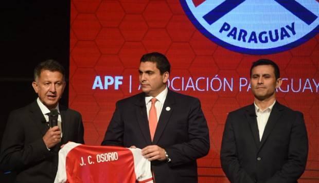 Osorio, al que muchos mexicanos hacen fuchi porque dijo mucho e hizo poco con el Tri, lo enfrentará estando al mando de Paraguay.