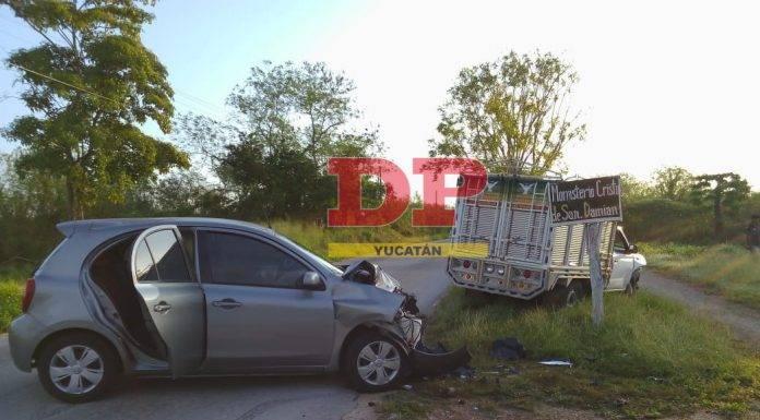 El vehículo de las religiosas fue impactado en un costado.