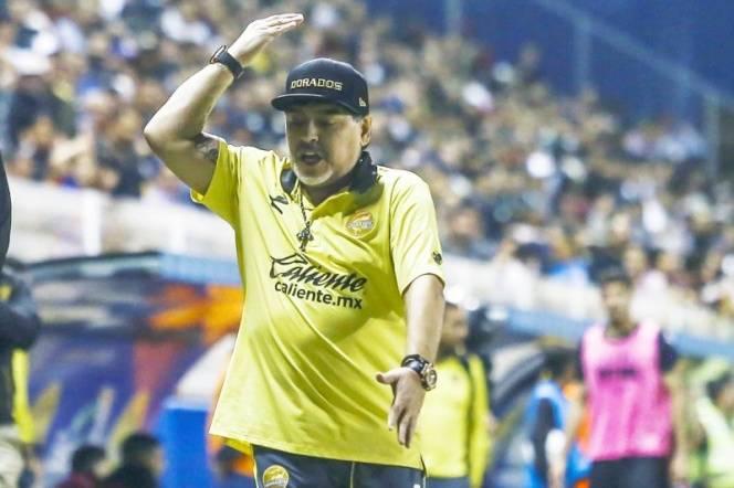 Maradona tendrá que ver desde más lejos la final de vuelta del Ascenso