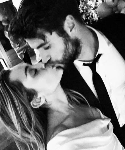 Miley Cyrus ya es oficialmente doña Hemsworth.