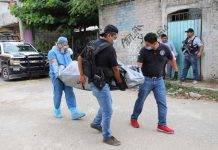 Asesinan a golpes y machetazos a una mujer en Acapulco
