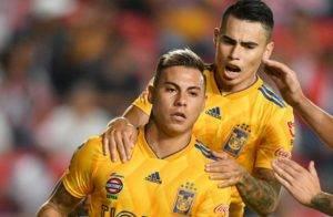 Eduardo Vargas y Zelarayán (a sus espaldas) pasarían del fut mexicano al carioca.