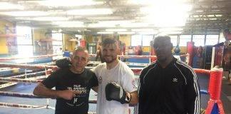 Elías Espadas (centro) entrena por ahora en Miami,