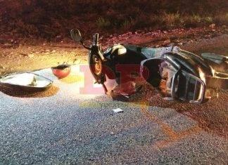 Pareja de motociclistas arrolla a peatón y terminan descalabrados