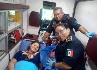 Feliz nacimiento dentro una ambulancia de la SSP.
