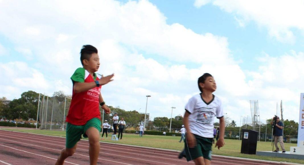 """Es en el estadio """"Salvador Alvarado"""" donde se puso en marcha la fase estatal de los """"Juegos Deportivos Nacionales Escolares"""" de educación básica."""