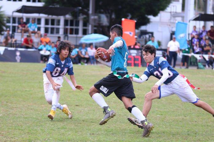 Jugadores de ambos sexos compitieron en el Tochito Nacional realizado en Mérida.