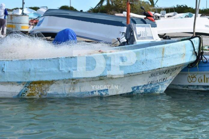 Encapuchados armados asaltan a pescadores en altamar