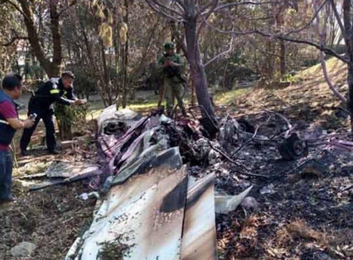 Avionetazo deja saldo de dos personas muertas