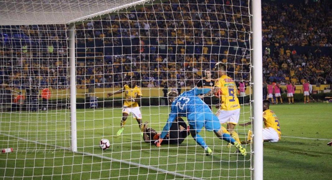 Momento del gol de Salcedo