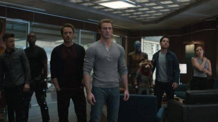 Los Vengadores siguen a la cabeza en taquilla y van por más