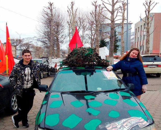 Ekaterina con el hombre de Uzbekistán que era su pareja y la engañó