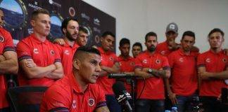 No se especificó quiénes son esos futbolistas de Tiburones Rojos que acudieron a la Comisión de Controversias.