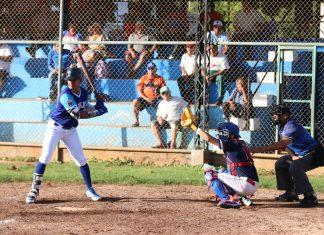 Los Azulejos de la Dolores Otero (3-2-1) hicieron válida su condición de local y apalearon 14-4 a los Venados de la Marista (3-3).