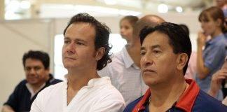 A la derecha, Antonio Barraza