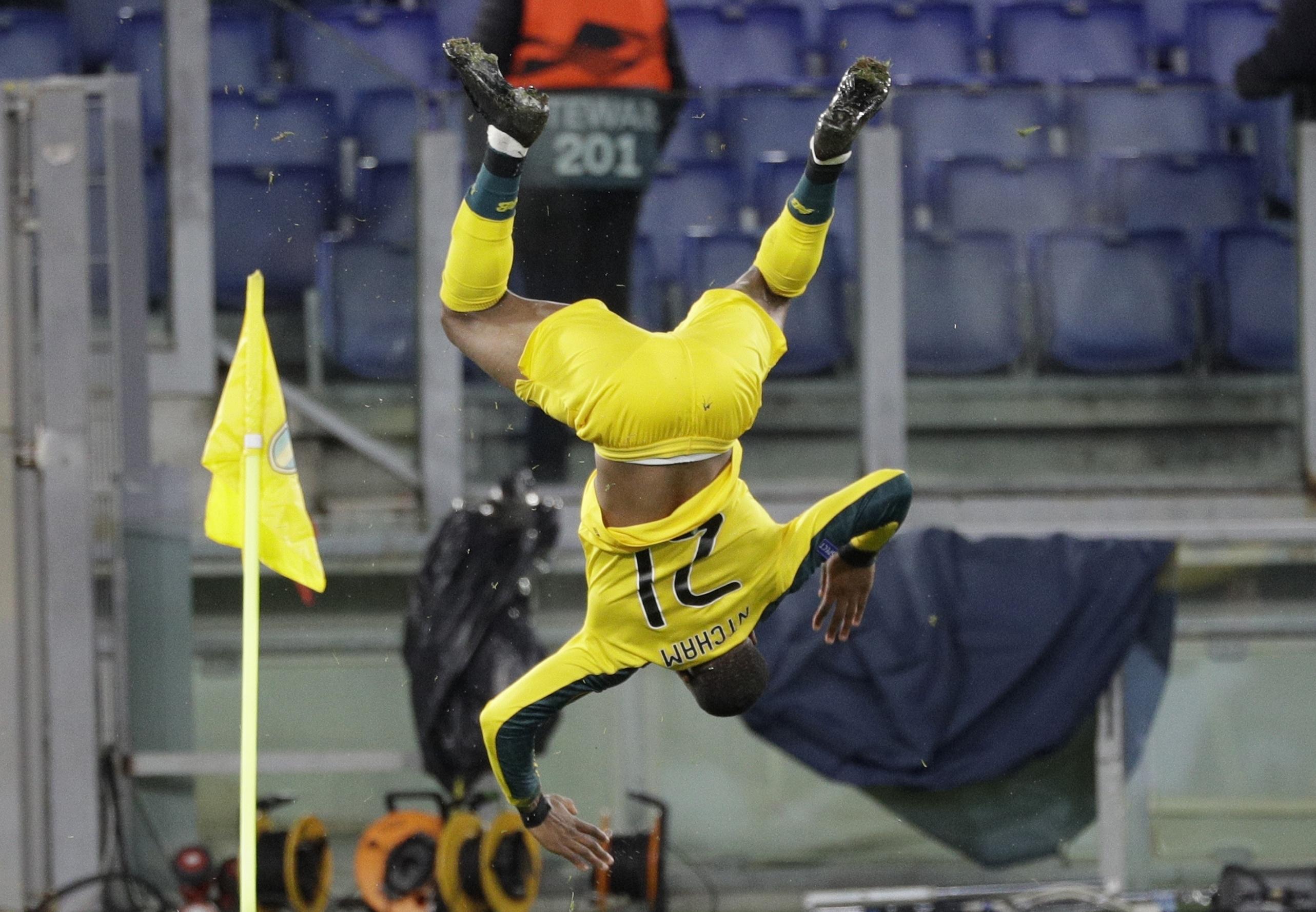 Olivier Ntcham celebra su gol en partido entre Lazio y Celtic
