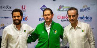 Carlos Antonio Gutiérrez Barriga (c) fue nombrado como nuevo técnico de los Venados FC de cara al Clausura y Apertura 2020 en el Ascenso MX.