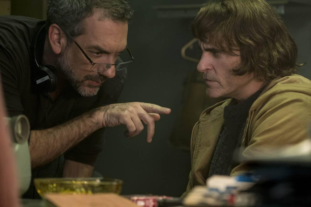 El cineasta Todd Phillips con Joaquin Phoenix