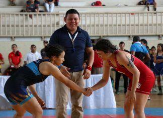 El Complejo Deportivo Kukulcán será sede de las disciplinas de karate y luchas. En la foto, la luchadora yucateca Laura Marrufo, de azul