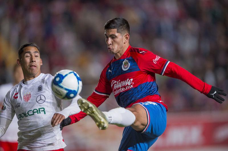 Guzmán en partido amistoso del 4 de enero del año en curso entre Chivas y Necaxa