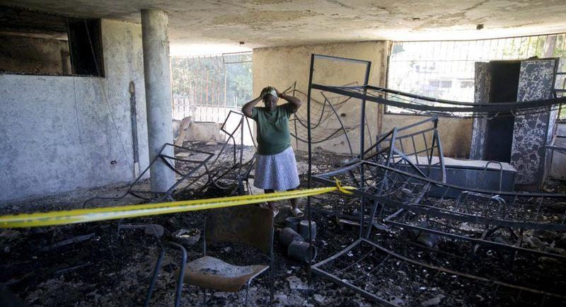 Rose-Marie Louis, una empleada del orfanato incendiado, a las afueras de Puerto Príncipe