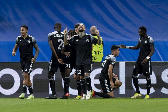 El uzbeko Jasurbek Yakhshiboev celebra su gol ante Real Madrid en champions.